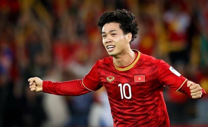 Công Phượng là một trong những cầu thủ xuất sắc có mức lương cao nhất Việt Nam hiện nay