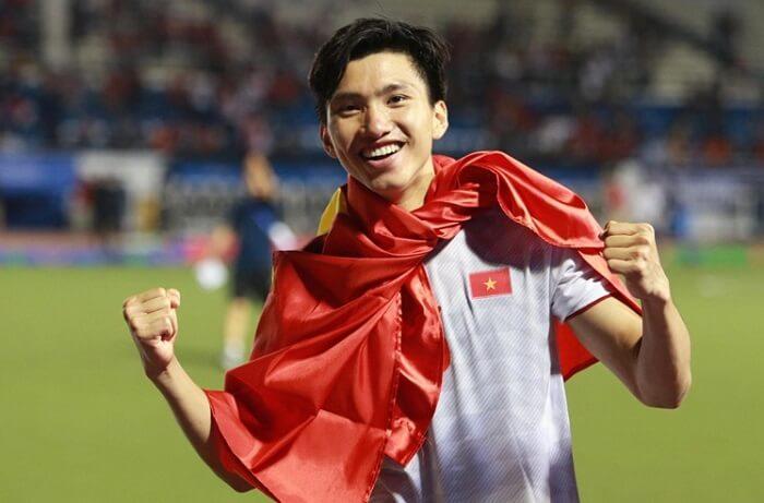 Đoàn Văn Hậu hiện đang có mức lương cầu thủ bóng đá cao nhất Việt Nam