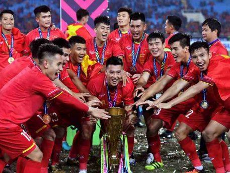 Lương cầu thủ bóng đá cao nhất Việt Nam hiện nay là ai?